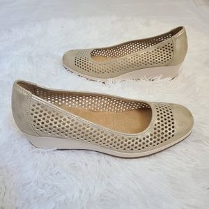 Naturalizer gold perforated wedge Brandi shoes